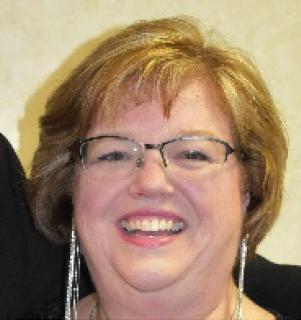 Catherine Huneault Headshot