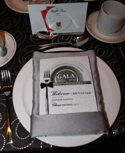 Gala dinner plate with program